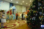 1 А класс на новогоднем представлении (Кл.руководитель Чабанова Т.А.)