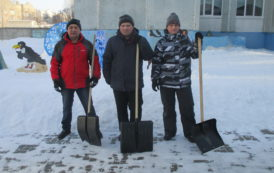 Зимнее благоустройство пришкольной территории