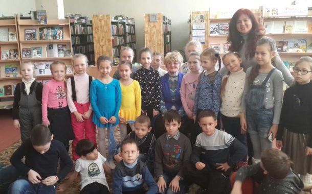 Ученики 1 А в библиотеке